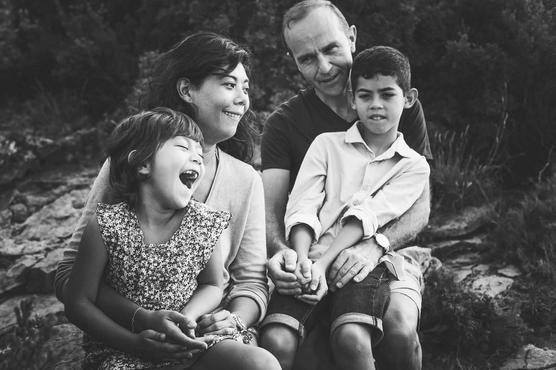 Seance photo famille heureuse-10
