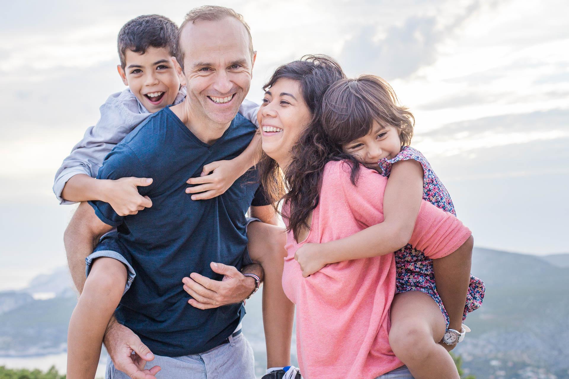 Seance photo famille heureuse-20